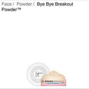 It cosmetics powder light/medium